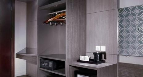 Deluxe Room Wardrobe