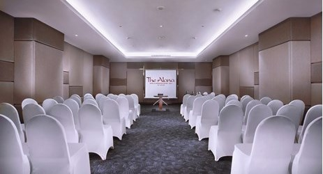 The room is excellent for business purposes as it is fully-equipped with projectors, screens, white boards and other useful equipment for business meetings in Solo