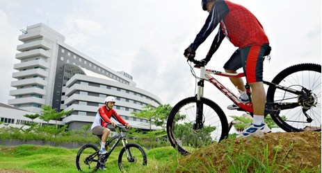 Enjoy the green environment near Aston Cirebon Hotel and Convention Center by riding our bicycle
