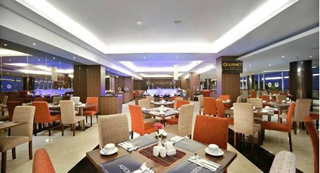A cozy place with the perfect spot to have breakfast, lunch or even dinner or drinks to stay while have a business or holiday in Kupang