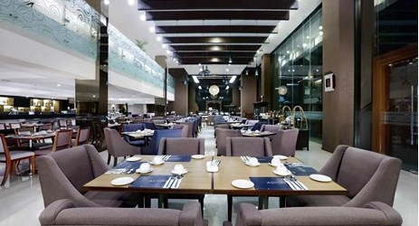 Spacious international restaurant perfect for business lunch or dinner session in the best hotel surrounded by mountain view in Sentul area