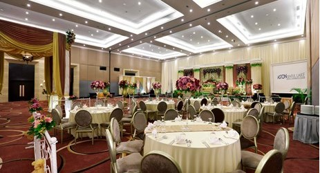 A spacious ballroom perfect for wedding occasion surrounded by mountain view in Sentul area