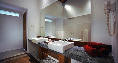 A nice appointed bathroom in a luxurious 1-bedroom villa with private pool in a beautiful resort to stay in gili trawangan island lombok