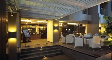 Enjoy our lavish buffet or Ala Carte menu, specialities of Balikpapan culinary.