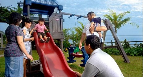 One of the best place for you to held an outdoor celebration such as Garden Party or Cooking Class, you can also takes your children to have an outdoor activity in Balikpapan hotel.