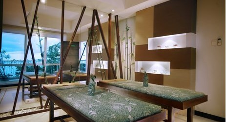 A complete relaxation experience to indulge your body. Feel the nature around your while you have a treatment after busy day in Balikpapan.