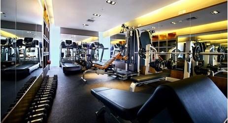 Master FIT memiliki berbagai peralatan olahraga berkualitas termasuk free weights, cardiovascular machines dan perlengkapan latihan beban dan ada juga sauna.