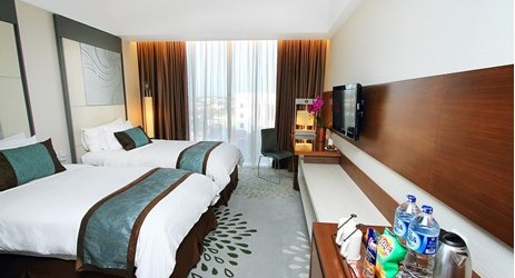 The ample 28 m2 Superior Rooms are exquisitely appointed with either king-size or twin beds, luxurious cotton linens and duvet and other necessities for the guest comfort in the heart of Yogyakarta