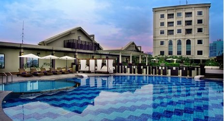 One of the coolest pool in Medan. Featuring 1 adult pool and 1 kiddie pool. Surrounded with an attarctive garden.