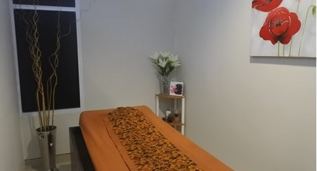 Calm your body, mind, and soul with a wide range of pampering treatment. The Artha Spa located on the basement level gives you options that suits to your needs, from relaxing foot massage to a comprehensive rejuvenating treatments.