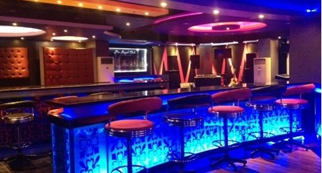 The Royale Club is the only one club in town. Located on the 2nd floor, and provide many kinds of Cocktails & Mocktails. Life DJ performance every night.