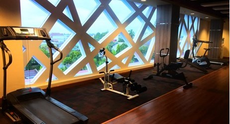 Keep healthy with royale gym only at Aston Ketapang City Hotel