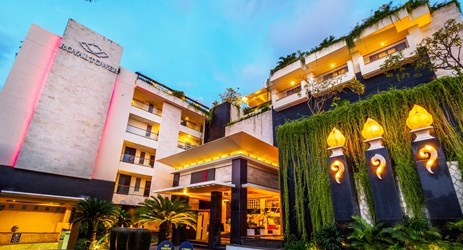 entrance of ideal hotel to stay for holiday in kuta bali