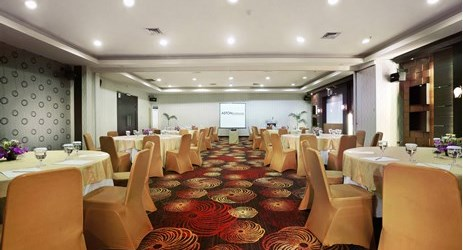 Shown here a meeting banquet setup that can host up to 40-50 people