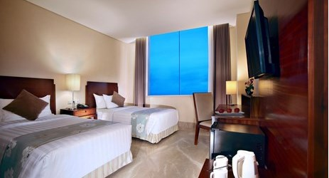 A clean, comfortable and spacious room with working desk and Twin or King-size bed a perfect place to sleep or relax while have a business or holiday in Samarinda