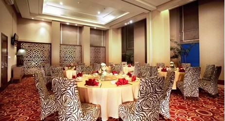 A small indoor function room in Silversea Restaurant to host dinner, business meeting, workshop, training,, birthday party or any reception in Samarinda.