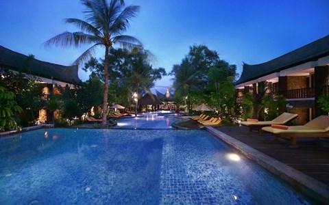 Aston Sunset Beach Resort- Gili Trawangan is the most beautiful resort in Gili Trawangan