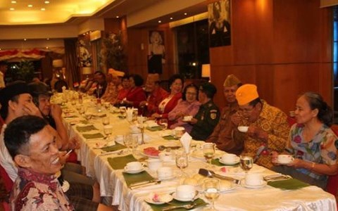 Aston Manado Hotel serving Luxury dessert Pudding