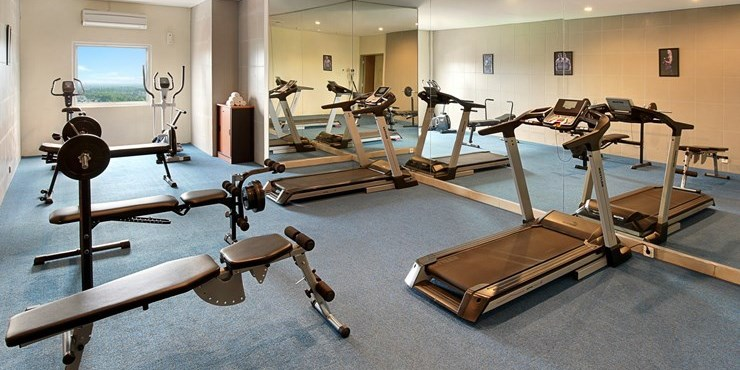 Aston solo hotel photos and gallery for Solo fitness gym