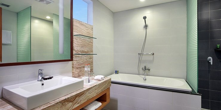 Bathrooms At Suite And Corner Suite Aston Solo Are Equipped With A Hand  Held Shower And