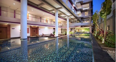 The swimming pool is a great place to chill out before sightseeing in Seminyak Bali and nearby pool bar