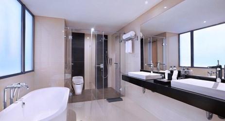 Harper Suite Bathroom