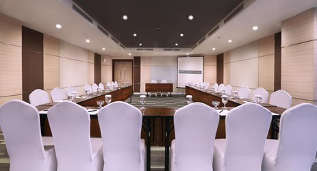 Mangkubumi room is a perfect place for your internal meeting up to 30 persons in U-Shape or up to 137 persons in theatre.