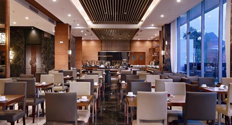 Rustik Bistro & Bar offers great menu selections, ranging from traditional Indonesian dishes to Western cuisine, Rustik will be a culinary choice for the people of Yogyakarta