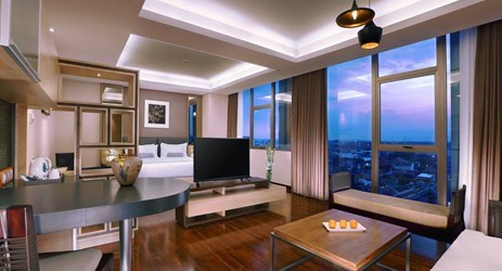 Harper Suites come with an adjoining living area and dining area for your best comfort and in-house entertaining, designed for travellers who desire space in Yogyakarta.