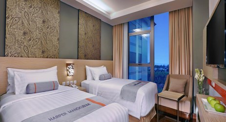 Enjoy Superior Room with Kampung view, street view, pool view or the breathtaking Merapi view in a comfortable and well decorated room.