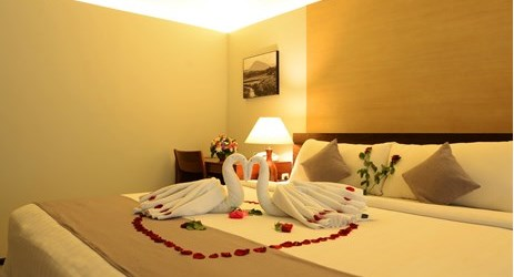 a romantic honeymoon room for unforgettable honeymoon with your loves one